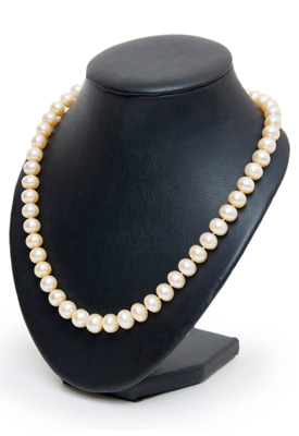 Pearl necklace that can undergo necklace repair or preventative care in Gilbert, AZ.